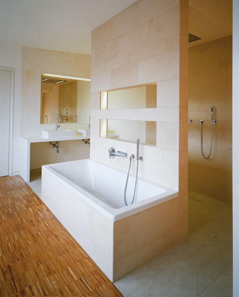 Guetersloh-Alte-Polizei-Bartels-Areal-Badezimmer